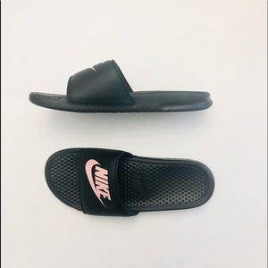 NWT Nike Women's Benassi JDI size 11